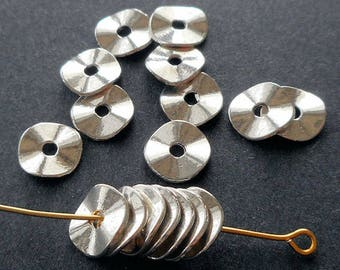 20pcs-silver tone waved  disc spacer beads