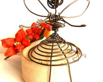 Fairy wire knot dress