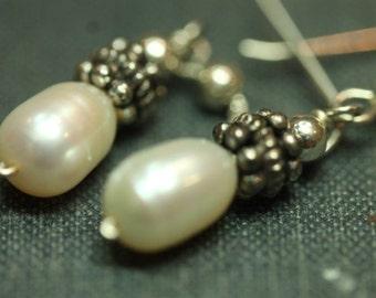 Sterling Silver .925 Vintage Dangle Drop Freshwater Pearl Bead Earrings