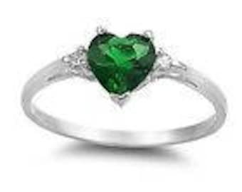 Romantic Woman Heart Shape 1.85ct Emerald 925 Silver Ring Size 8