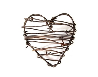 Rustic Barbed Wire Heart . Rustic Wedding Decor . western wedding decor . rustic wedding gifts for him . rustic man gifts