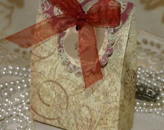 Vintage Gift Box Set - FREE Shipping Holiday, Winter or Party Gift Wrap, Matching Tag, made by handmadewithlove13