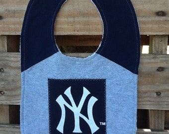 Yankees baby bib made from upcycled T-shirt.