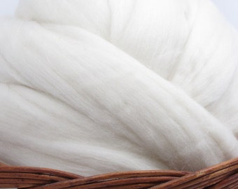 New Zealand Romney Wool Top Roving - Undyed Spinning & Felting Fiber / 1oz