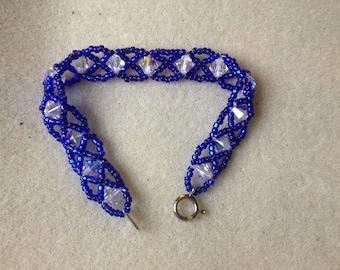 Design sheet for simple seed bead crossover bracelet