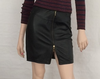 Leather skirt / pencil skirt, zipper / vintage / 1980's / black / Gr. XS