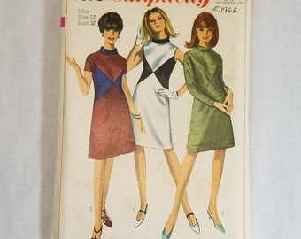 "Simplicity pattern 6679 vintage 1960s dress. Swing dress, color block dress Hippie, Mod. Complete. Vintage size 12 with 32"" bust. 1966"