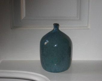 birthe mollerstrom vessel form studio pottery vase scandinavian swedish design