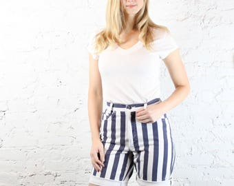 1990's High Waisted Skoozi Pinstripe Denim Shorts in Size 2 XS Small . Cuffed 90s Jean Shorts Long Retro . Navy and White Boyfriend Shorts