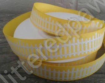 "7/8"" White Picket Fence on Daffodil Grosgrain Ribbon"
