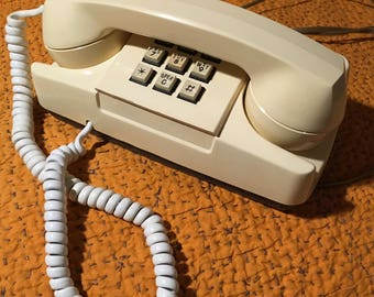 1970's-1980's GTE push button phone !