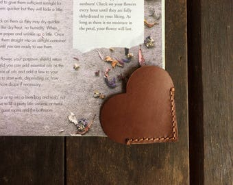 Leather bookmark/ Heart book corner/ Mother's day gift/ Bookends/ Love bookmark/ Gift for her/ Small gift, Kangaroo leather