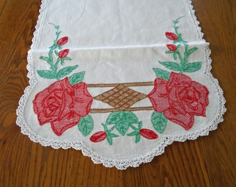 Gorgeous Embroidered Rose Runner / Vintage table Runner / Red Roses / Cotton And Lace Runner / Summer Decor / Cottage Decor / Dresser Scarf