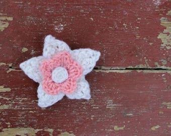 Crochet White Pink Flower Hair Clip - Daffodil