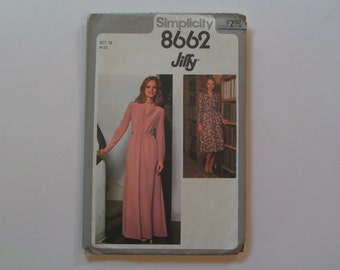 Vintage Simplicity Pattern Jiffy 8662 Misses Dress in Two Lengths