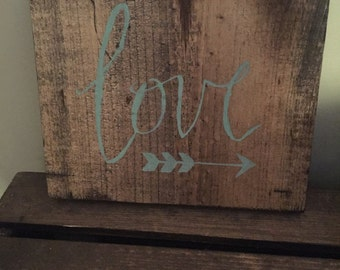 Rustic love arrow wall decor