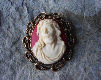 2 in 1 - Jesus Wearing the Crown of Thorns - Cameo Brooch/Pin/Pendant - Great Quality- Religious, Christmas, Holiday
