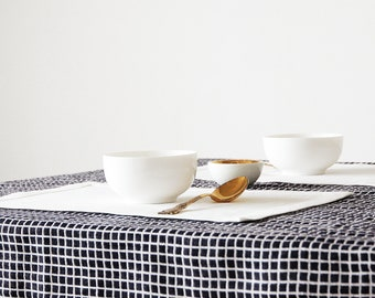 Off white linen placemats for elegant table setting - white table mats - rectangle washable place mats