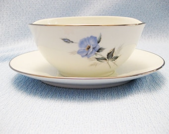 Noritake Gravy Boat With Attached Underplate Pattern Sylvia-6603