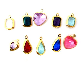 Colorful Assortment of Vintage Plastic Rhinestone Charms in a Gold Plated Setting (12X) (P507)
