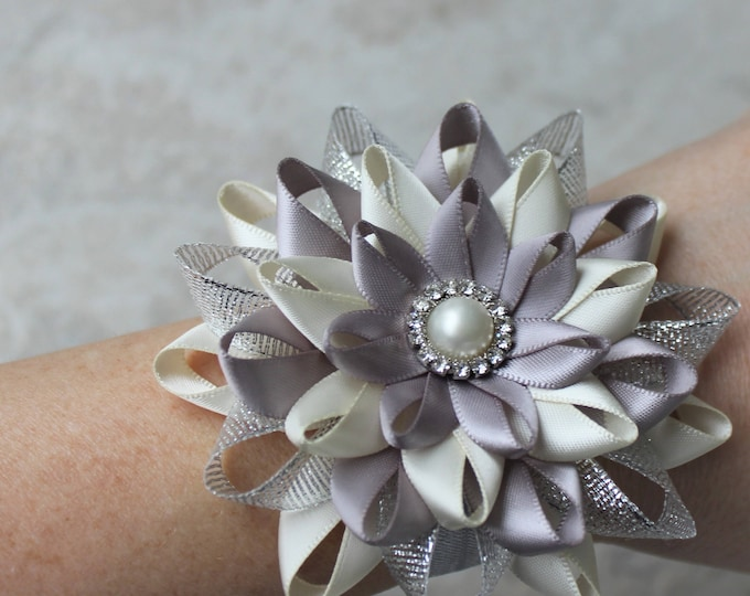 Wrist Flower, Bridesmaid Wrist Corsage, Wedding Wrist Flowers, Mother of the Groom Corsage, Bridesmaid Corsages, Ivory, Silver, Gray