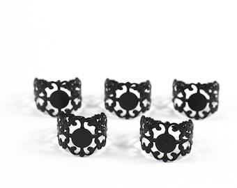 5 supports of black filigree ring finger rings
