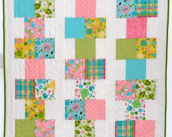pdf baby quilt pattern...quick and easy...Hopscotch... charm pack or fat quarters or scraps...modern quilt