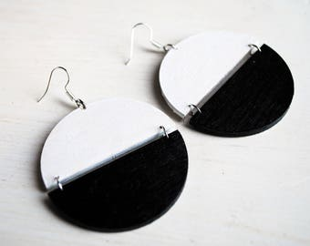 Black & White Vintage 70's Earrings, geometric earrings, minimalist earrings, black and white earrings