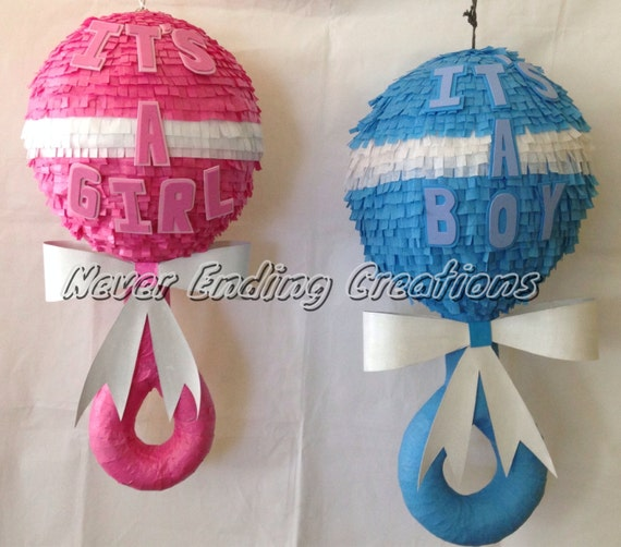 BABY RATTLE PINATA 3D
