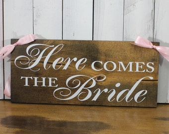 Here Comes the BRIDE Sign/Photo Prop/U Choose Colors/Shower Gift/Dark Stained Board/Farmhouse Style/Rustic/Wood Sign/Reversible Options
