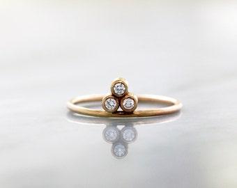 Diamond Trio Ring, Unique Engagement Ring, Diamond Trinity Gold Pyramid, 14k Yellow Gold Stacking Jewelry, Three Stones