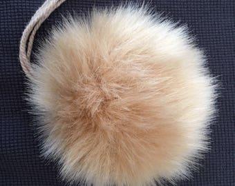 Medium Luxury Faux Fur Pom Poms