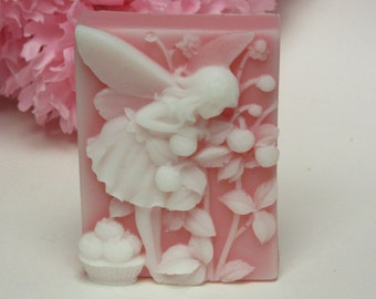 Strawberry Fairy soap scented in Strawberries n' Cream