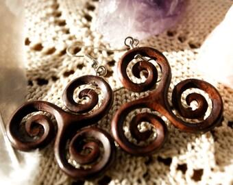 Earrings Triskele wood - pair
