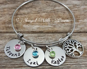 Child Name Bracelet, Mom Bracelet, Bracelet for Mom, Gift for her, Grandmother, gift for grandma, Mom Jewelry