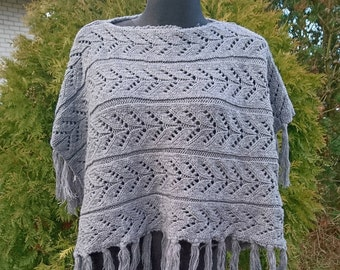 Gray winter Poncho, knitted poncho, womens poncho, warm gray poncho, fringes poncho, knit capelet, cable knit poncho, knit poncho vintage