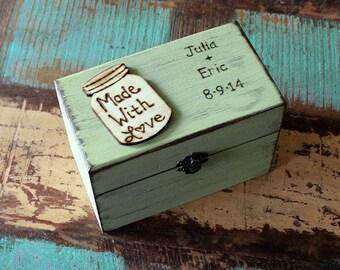 Rustic Recipe Box, Personalized Recipe Box,  4x6 Recipe Cards, Recipe Holder, Kitchen Storage