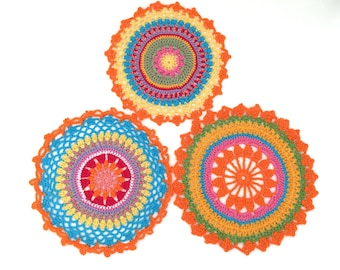 Set of 3 Mandala in crochet, doilies multicolor, Rainbow Mandala for use in flat or hang. 100% cotton Made in Italy.
