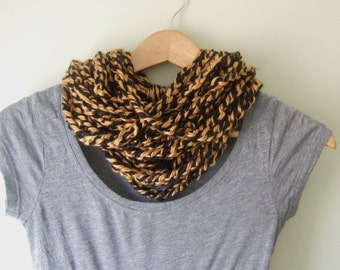 Black Gold Scarf Necklace / Tigers Scarf / Football Scarf / Black Scarf Necklace / Gold Scarf Necklace / Crochet Scarf