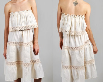 Gorgeous off-the-shoulder 1970's Gunne Sax peasant dress    S5