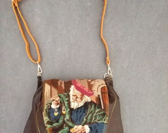 Shoulderbag with a vintage embroidered flap