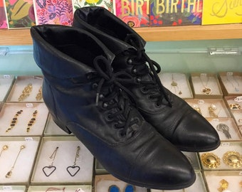 Vintage 80s leather Lace Up Booties by Canyon River Blues Size 8 1/2 M (may fit size 8) Made in Chile