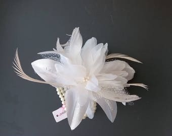 Brand New - Cream Flower and Feather Wrist Corsage only 7.99 - FREE POSTAGE