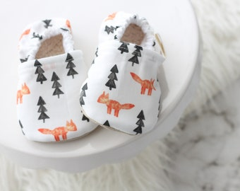 6-12 Months Fox and Tree Baby Shoes, Baby Shoes, Fox Baby Shoes, Baby Booties, Baby Boy Shoes, Fox Baby moccs, Fox baby Clothes