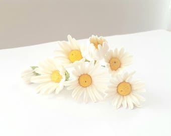 Lot of daisies (daisies) made by hand - colored yellow white