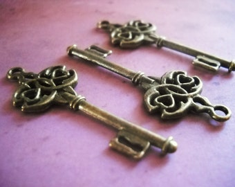 Key Pendants Steampunk Key Charms Bulk Skeleton Keys 45mm Wedding Keys Antiqued Bronze Keys Wholesale Keys 200 Keys