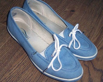SALE!  Grasshoppers sneakers denim blue chambray size 5 1/2