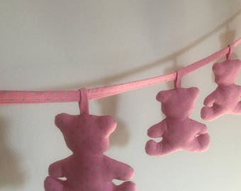 Garland seven bears, pink and silver