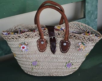 Handpainted straw bag with leather handles