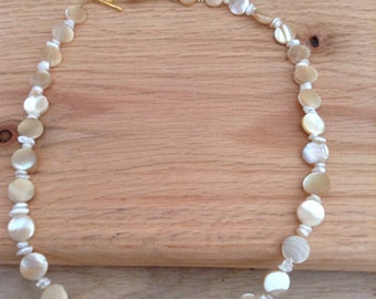 Mother of Pearl & Pearl Chip Beaded Necklace